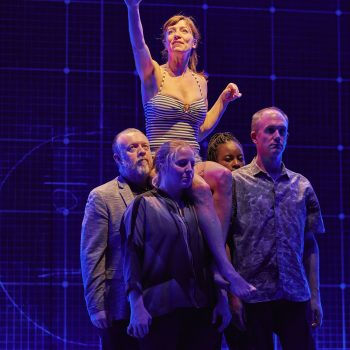 Emma Beattie (Judy) and the company of The Curious Incident of the Dog in the Night-Time  – Photo Brinkhoff/Mögenburg