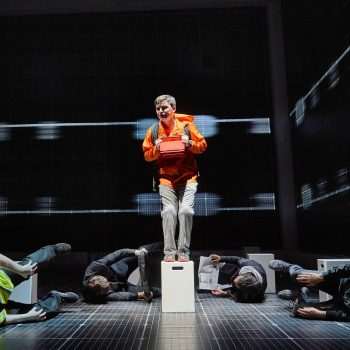 Joshua Jenkins (Christopher) in The Curious Incident of the Dog in the Night-Time – Photo BrinkhoffMögenburg 1021-289