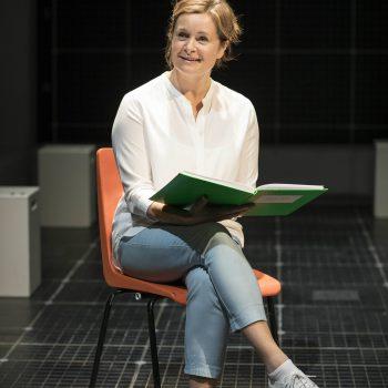 Julie Hale (Siobhan)  – Photo Brinkhoff/Mögenburg