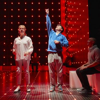 Julie Hale (Siobhan) and Joshua Jenkins (Christopher) in The Curious Incident of the Dog in the Night-Time – Photo Brinkhoff/Mögenburg