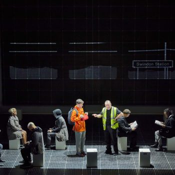 The company of The Curious Incident of the Dog in the Night-Time – Photo Brinkhoff/Mögenburg